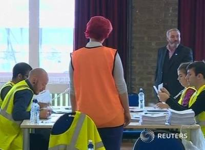 News video: Scots Vote on Independence, U.K.'S Fate on Knife's Edge